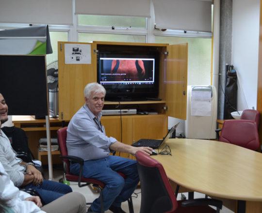 O Prof. Dr. Fagundes apresentou as imagens do Homem Virtual no ensino de DST.