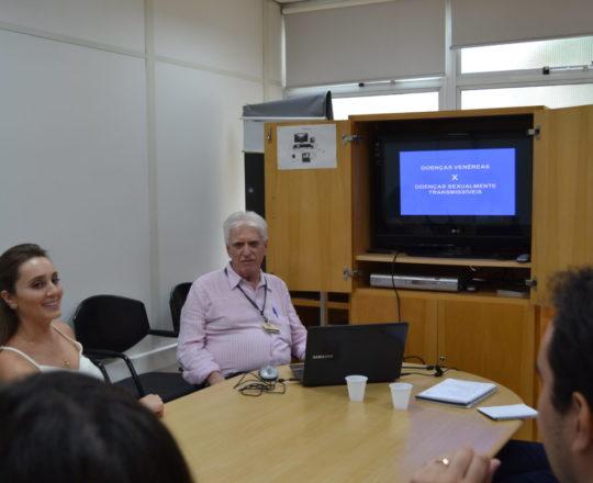 O Prof. Dr. Luiz Jorge Fagundes fez Palestra sobre Doenças Sexualmente Transmissíveis.