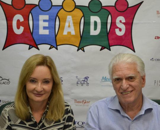 A Dra. Ana Paula Gomes Meski, Palestrante do 75 Fórum de Debates e o Prof. Dr. Luiz Jorge Fagundes, Coordenador Científico do CEADS e Organizador do Fórum de Debates.