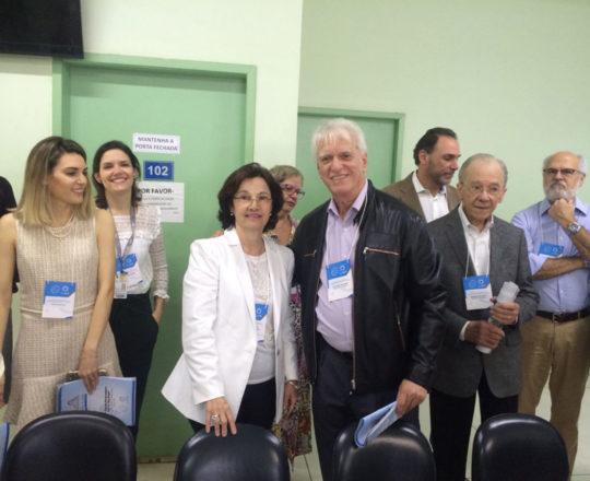 A Prof. Dra. Sandra Dinato, Colaboradora do CEADS, O Prof. Dr. Luiz Jorge Fagundes, Coordenador Científico do CEADS e os demais participantes da 152 Jornada Paulista de Dermatologia.