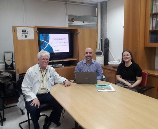 O Prof. Gustavo Ferreira Castelo Branco, a Dra. Agélica Strufalfi e o Prof. Dr. Luiz Jorge Fagundes, Coordenador Científico do CEADS e Organizador do Simpósio.