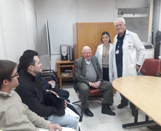 """O Prof.Dr. Sidnei Martini, a Dra. Nathalia Targa Pinto, o Prof. Dr. Luiz Jorge Fagundes e os Estagiários de DST de agosto de 2018, durante a Palestra sobre """"Gestão de Carreiras""""."""