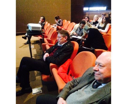 """Os Professores Sidnei Martini e Jorge Brolio, durante a apresentação do Curso sobre """"Fundamentos da Gestão."""