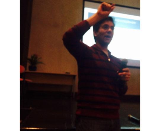 """O Prof. Gustavo Haramura, durante sua exposição sobre """"Marketing de Consultório."""""""