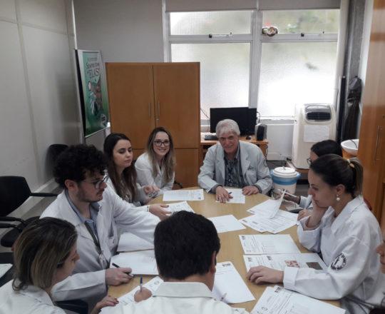 O Prof. Dr. Fagundes e os Estagiários de DST de outubro de 2018, durante a realização das provas teórica e prática de DST
