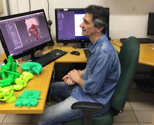 O Designer Gustavo Zagatto da Disciplina de Telemedicina responsável pela execução de Projeto do Homem Virtual