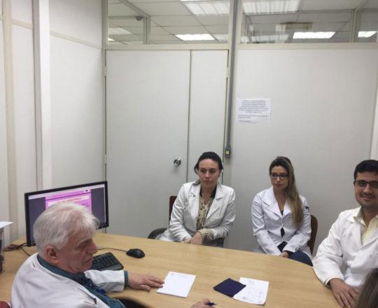 """O Prof. Dr. Fagundes e os Estagiários de DST de outubro de 2018, durante Palestra sobre """"Fundamentos da Gestão"""""""