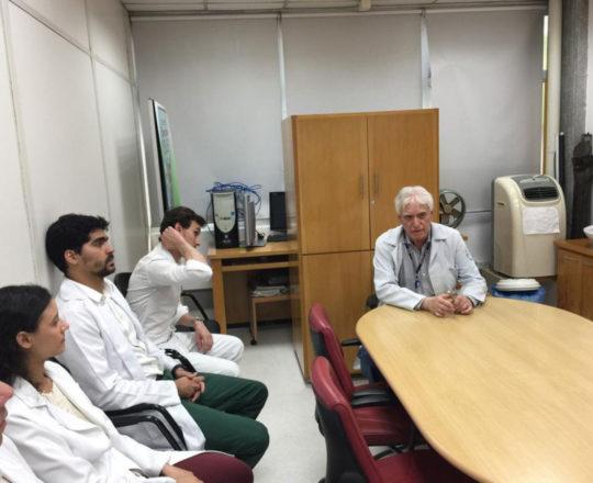 O Prof. Dr. Fagundes, durante a Palestra sobre Infecção pelo HPV