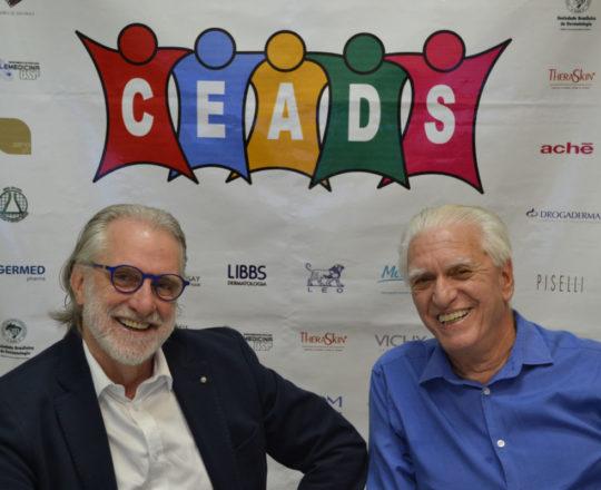 O Prof. Dr. Sergio Talarico e o Prof. Dr. Luiz Jorge Fagundes, nos Estúdios da Telemedicina, na abertura do Fórum de Debates.
