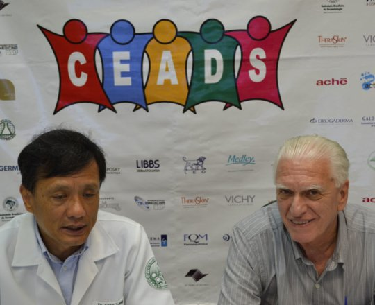 O Prof. Dr. Chao Lung Wen, Coordenador do 83 Fórum de Debates e o Prof. Dr, Fagundes, Coordenador Científico do CEADS.