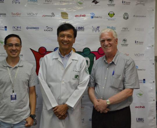 O Sr. Adriano Takiuti, Colaborador do CEADS e Responsável Técnico pelo Fórum, O Prof.Dr. Chao e o Prof. Dr. Fagundes.
