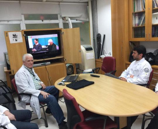 """O Prof.Dr. Fagundes e os Estagiários de DST de fevereiro de 2019, durante a apresentação do vídeo sobre """" Gestão"""""""