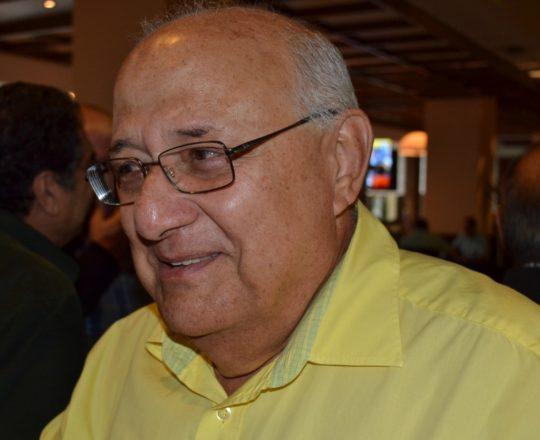 O Prof. Dr. Fernando Pimazoni, Dermopatologista da UNESP de Botucatu.