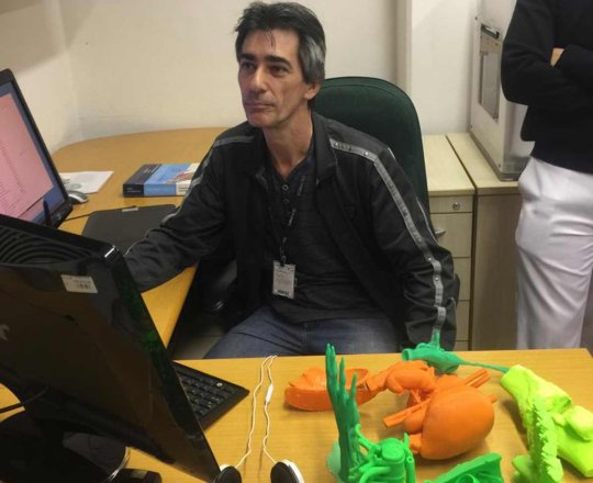 """O Designer Gustavo Zagatto durante a apresentação do """" Projeto do Homem Virtual"""""""