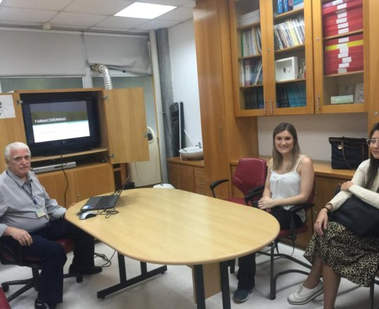"O Prof. Dr. Fagundes fez Palestra sobre ""Temas da Dermatologia Geral""."