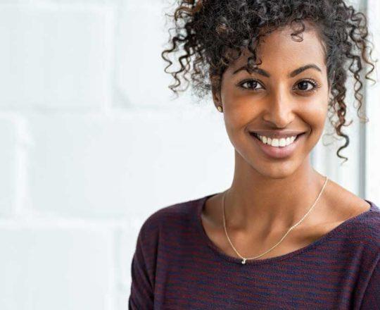 Melasma: o que é, como tratar e prevenir o aparecimento das manchas.